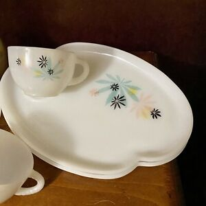Vintage Federal Glass Atomic Flower Snack Set Plates Tea Cups MCM Milk Glass