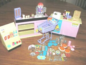 VINTAGE TYCO BARBIE KITCHEN LITTLES FOOD MART WITH ACCESSORIES~1995