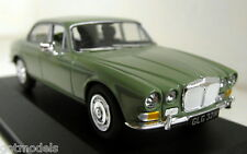 Vanguards 1/43 Scale VA08805 Daimler Sovereign S1 4.2 Willow Diecast model car
