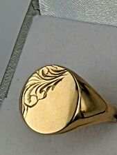 A new man's 9ct gold signet UK ring size: Q 1/2