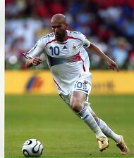 ZINEDINE ZIDANE FRENCH SOCCER STAR 8X10 SPORTS PHOTO
