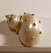 Swarovski Clam Shell with Crystal Pearl Pretty Adorable!