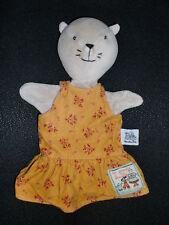 doudou plat marionnette chat robe à fleur MOULIN ROTY