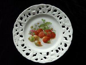 EDWARDIAN DECORATIVE RIBBON PLATE - strawberries