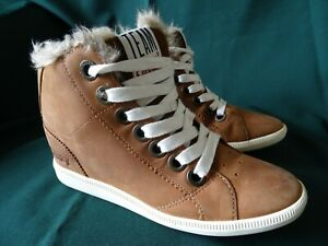 WOMENS SUPERDRY CHUKKA STYLE BOOTS SIZE 3