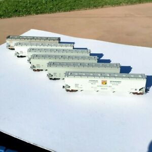 LOT of SIX HO Scale 4-Bay Covered Hoppers 5 Walthers 1 Other Canada Census