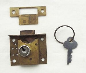 Vintage chest or gaming vending lock and key Comes with escutcheon