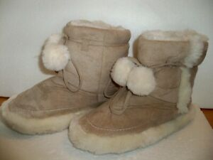 INDOOR ANKLE BOOT SLIPPERS SIZE 7 MED.   SOFT TAN SUEDE & FUR TRIM