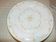 Lot of 4 Noritake Ivory China Dinner Plates - Debut 7210