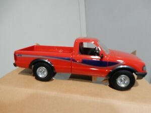 19943FORD RANGER  4 X 4 PROMO MODEL IN RED   1.24 SCALE BUILT