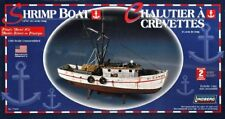 "Lindberg 1/60 Scale Shrimp Boat Plastic model NEW Length 12 3/8"""