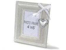 Cadre photos en bois avec dentelle et coeur en metal décoratifs