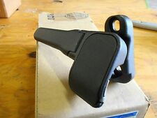 NEW 2005 - 2014 FORD MUSTANG CONVERTIBLE TOP ROOF BOW CLAMP RH 8R3Z-7650508-KA