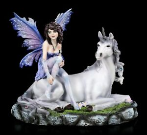 Elfen Figur - Amira sitzt auf Einhorn - Fantasy Fee Elfe Dekostatue