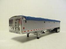 DCP 1/64 SCALE WILSON GRAIN TRAILER (HOPPER BOTTOM) SILVER SIDES WITH BLUE TARP