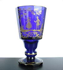 Grand verre à pied XIXe en cristal bleu de cobalt scène galante dorée 16 cm 537g