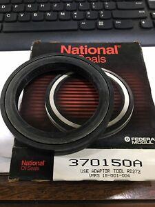 PREMIUM MOOG Wheel Seal-RWD National 370150A