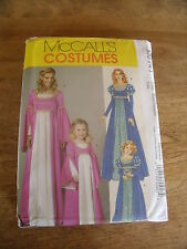 "PATRON  ""McCALL'S COSTUMES 2 VERSIONS ROBE RENAISSANCE TAILLE  S/M/L/XL N° 6141"