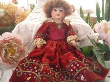 Poupée porcelaine UNIS FRANCE 38cm     vetue d origine  Belle robe  velours supe