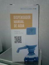 Dispensador manual de agua adaptable a garrafa universal con adaptadores