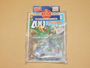VINTAGE THE TOY HOUSE PLASTIC ZOO ANIMALS UNOPENED PACKAGE