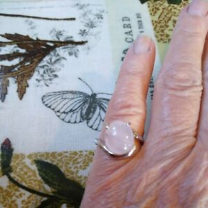 Beautiful New Age Natural Rose Quartz Silvertone Ring new with tags size M