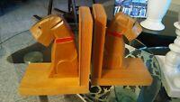 Super süsse Buchstützen Holz, geschnitze TERRIER aus den 50iger Jahren