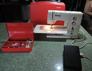 Bernina 830 Record Sewing Machine W/ Case & Many Accessories Working