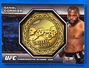 2013 Topps UFC Bloodlines #OC-DC Daniel Cormier Gold Octagon Coin 16/25