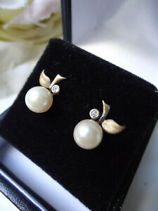 For honeybear123nicholl 9ct Gold Cultured Pearl & Tiny Diamond Apple Earrings