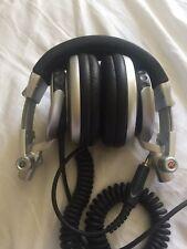 Sony MDR-v700 headphones (Iconic DJ Headphones)
