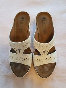Pavers Sandals size 4, White