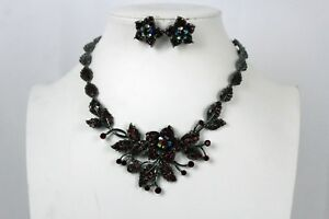 Women Pewter Metal Chain Jewelry =Necklace Red Rhinestones Flowers Leaf Pendant