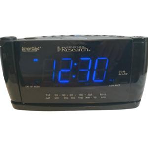 Emerson Research SmartSet Model CKS3526 Alarm Clock AM FM Radio Time Projector