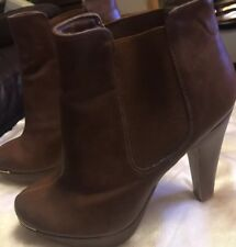 Ladies Size 7 High Ankle Boots In Vgc From New. Look