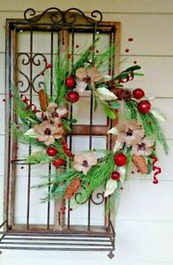 """NWT 20"""" BURLAP Button Flowers RED JINGLE BELL Mica Ice Pine Cone Holly WREATH"""