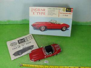 vintage Revell built plastic model kit car & box 1/25 jaguar e type 2188
