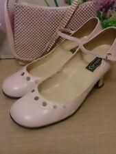 Schuh Powder Pink Ladies Scarpa usato con un sacchetto di polvere rosa per abbinare la scarpa