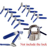 schlosser hand schloss geöffnet. kaputte schlüssel / die tool - kit schloss
