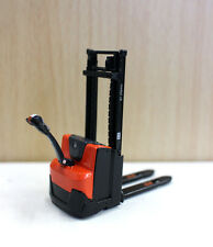 1/24 Toyota BT Staxio Electric Stacker Forklift Diecast Car Model Toy Red Color