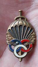 Ancienne Insigne Militaire  Des Parachutistes