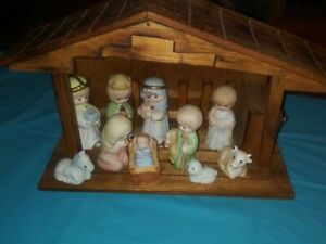 Precious Moments 1989 Nine Piece Nativity Set 692794 NEW