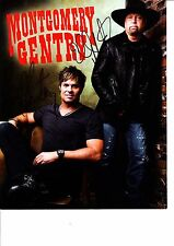 MONTGOMERY GENTRY HANS SIGNED 10 X 8 INCH PHOTO