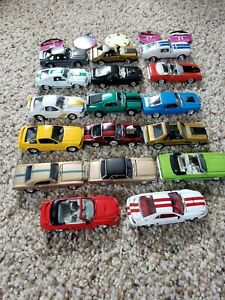 Johnny Lightning 1:64 LOOSE Mustang Collection, Blister pulls