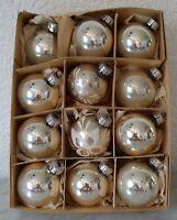Weihnachtsschmuck Christbaumschmuck 12 Kugeln silber Glimmer christmas tree