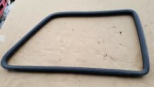 VW GOLF MK2 1990 3 DOOR RIGHT SIDE REAR WINDOW GLASS RUBBER SEAL