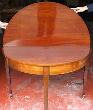 Meubles Anciens: Table Pliable Anglaise du 19ieme Siècle en Acajou
