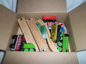 THOMAS & FRIENDS WOODEN LEARNING CURVE VNTG CLICKETY CLACK, BRIDGE TUNNEL LOT