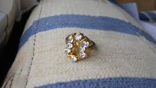 LUXURY GOLDEN LAQUERED DECO COCKTAIL RING, BEAUTIFUL SPARKLE, SIZE P