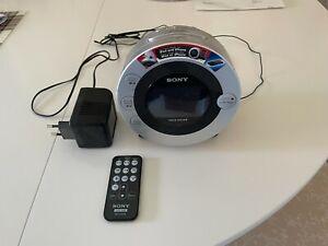 Sony Dream Machine Modell ICF-CD3iP Radiowecker mit CD